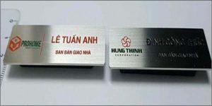 bang-ten-inox